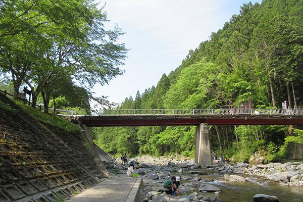 やすらぎ村1日目_川遊び4410_600.JPG