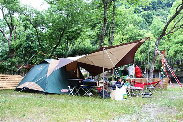 やすらぎ村2日目_小川張り横から8380_600.JPG